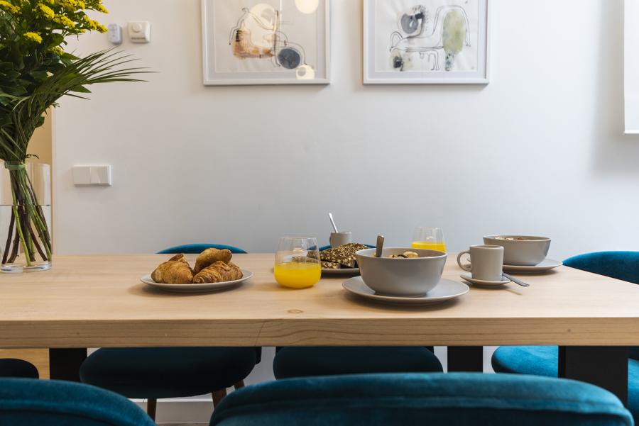 Detalle mesa y decoración