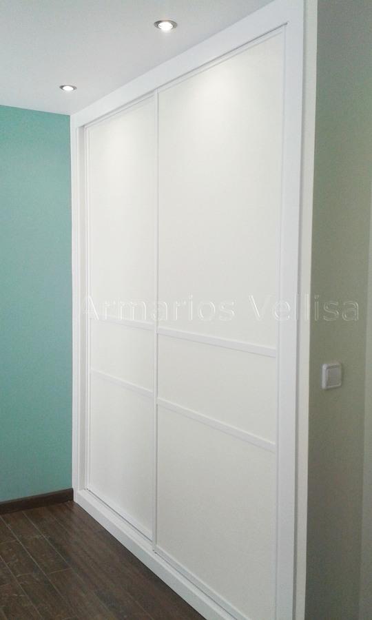 Foto armario dos puertas correderas con dos junquillos - Armarios dos puertas ...