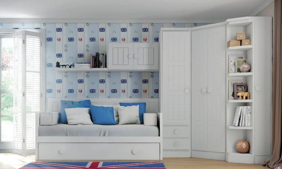 Habitación con armarios.