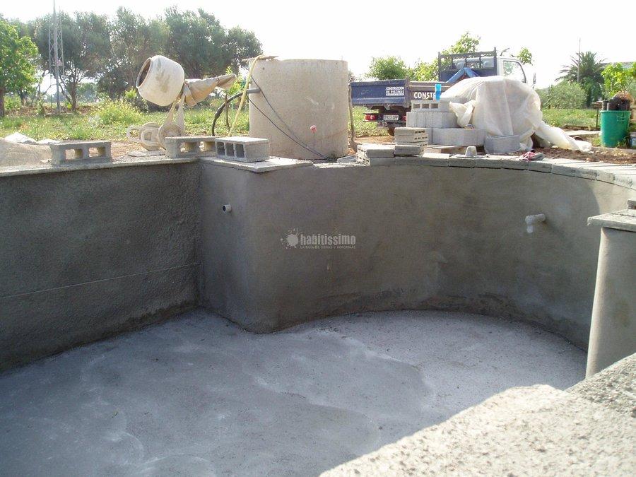 Foto construcci n piscinas mantenimiento reparaciones for Construccion de piscinas en lleida