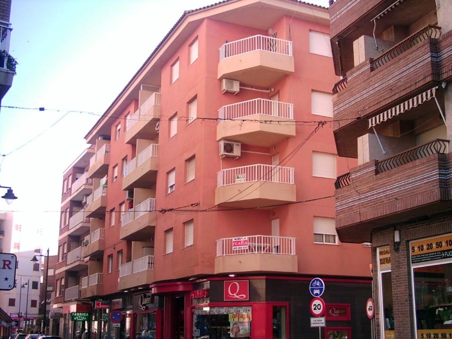 23 viviendas, oficinas y locales. Puerto de Mazarrón.
