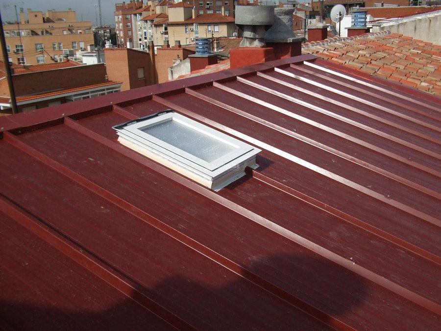 reforma de Cubierta, Fachadas, Patios y Instalacion Electrica en C/ Sor Maria de Agreda 32