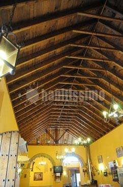 Foto construcci n casas ventanas madera construcci n edificios de carpinteria de madera santa - Carpinteria santa clara ...