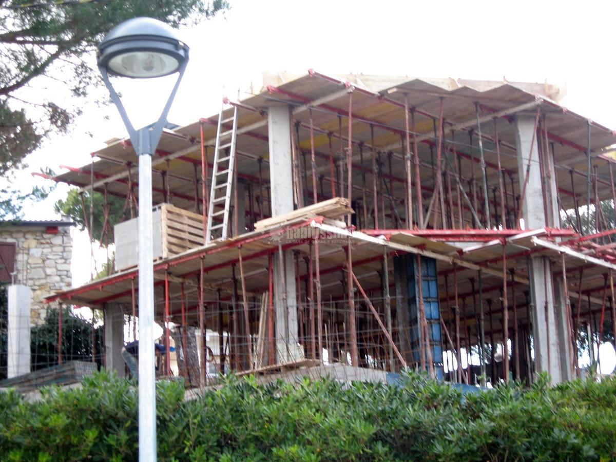 Foto construcci n casas reforma decoraci n de for Decoracion construccion