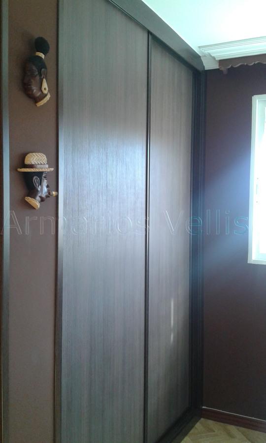 Foto armario en sal n de armarios vellisa 1011292 for Armario salon