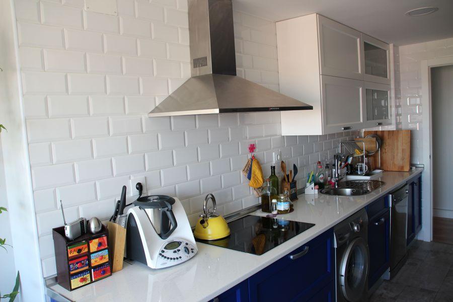 Foto cocina azulejo metro de hermanos luna garcia 884251 for Azulejo metro cocina
