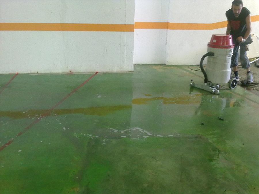 Foto neteja paviment parking comunitat de poliments for Piscina ramirez granada