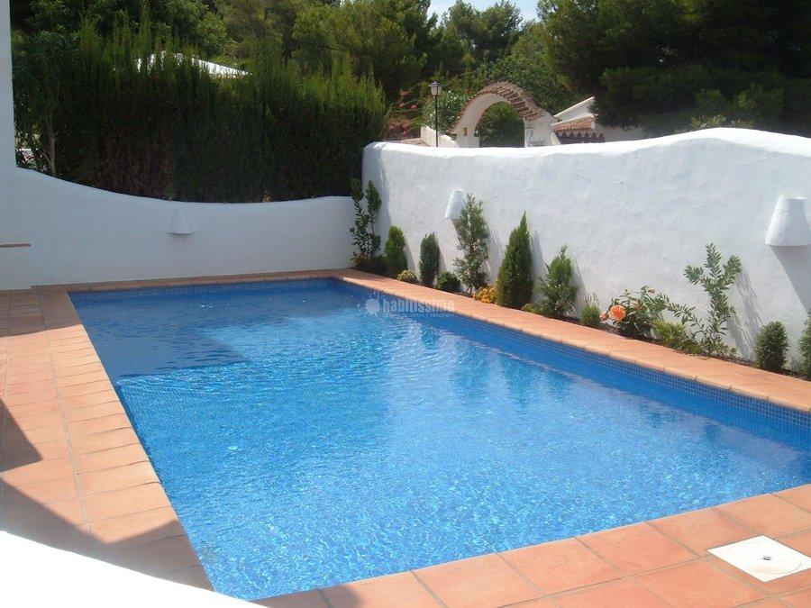 Foto construcci n casas autonivelados pavimentos for Constructores de piscinas
