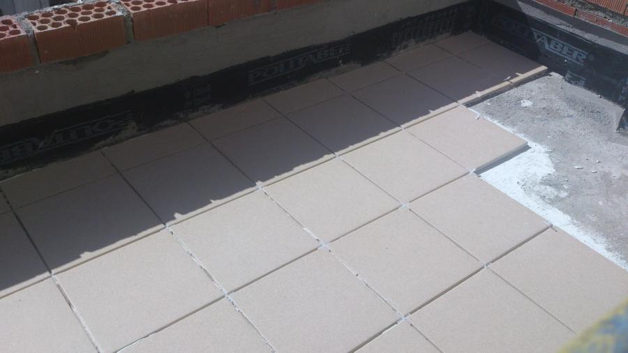 Foto solado gres porcelanico exterior de jvh proyectos y - Gres porcelanico para exterior ...