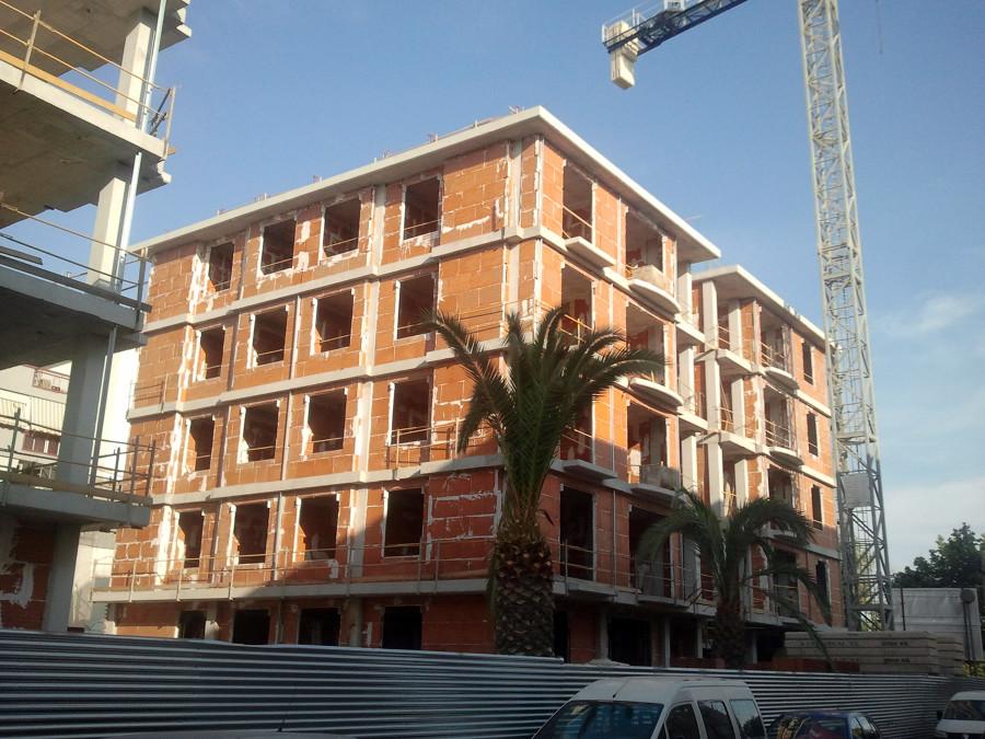 40 Viviendas y Garajes Sótanos - Lorca