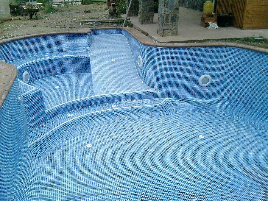 Foto construcci n piscinas revestimientos gresite - Gresite piscinas colores ...