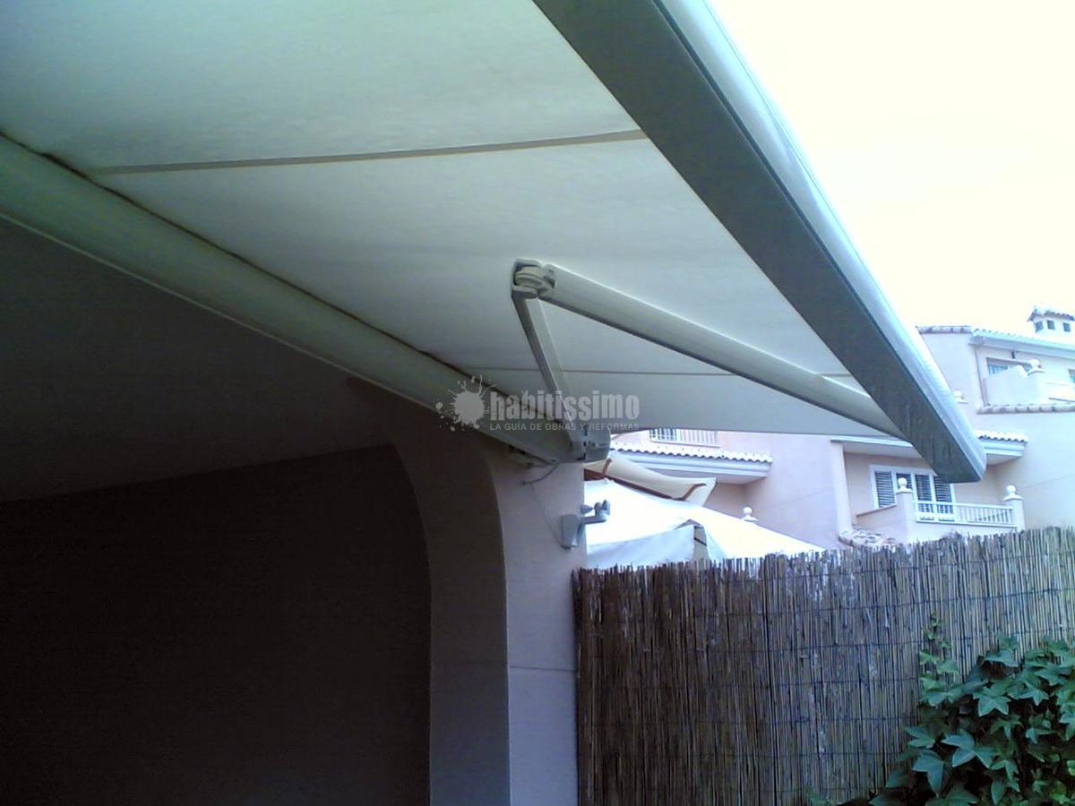Foto toldos cofre motorizado con sensor de viento y - Toldos para lluvia ...