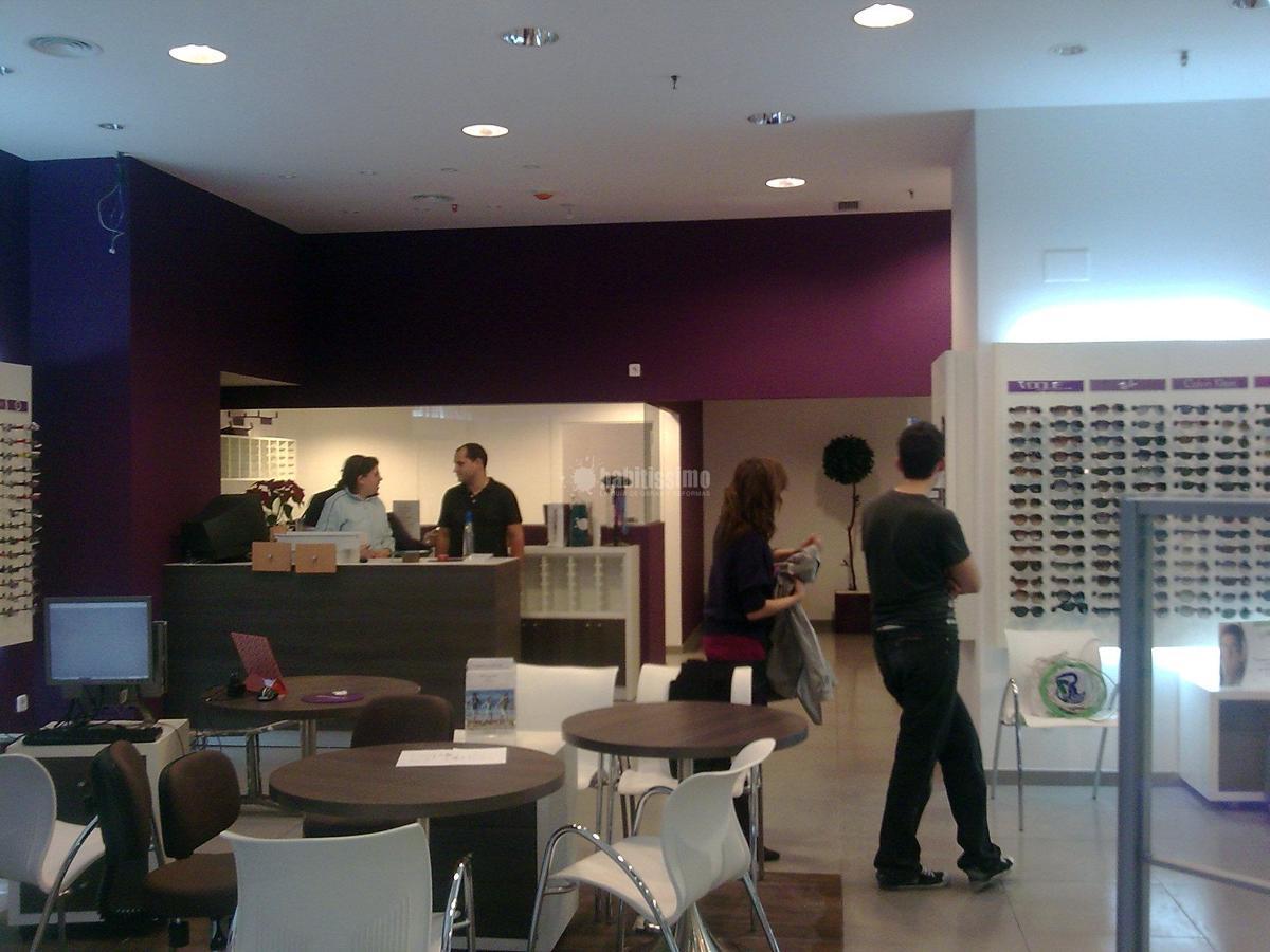 Proyecto y acondicionamiento de local destinado a óptica en Córdoba.