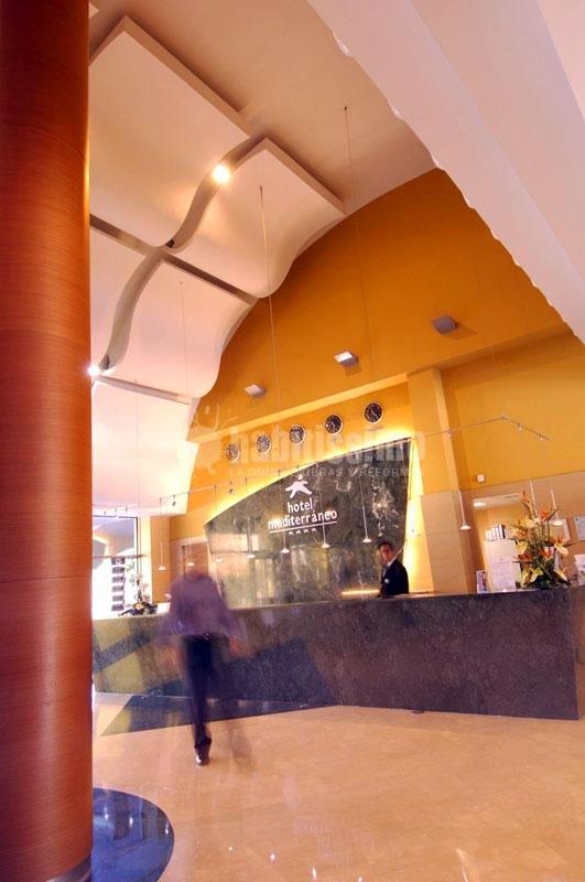 Foto hotel mediterraneo benidorm de die estudio 15421 - Hotel asiatico benidorm ...