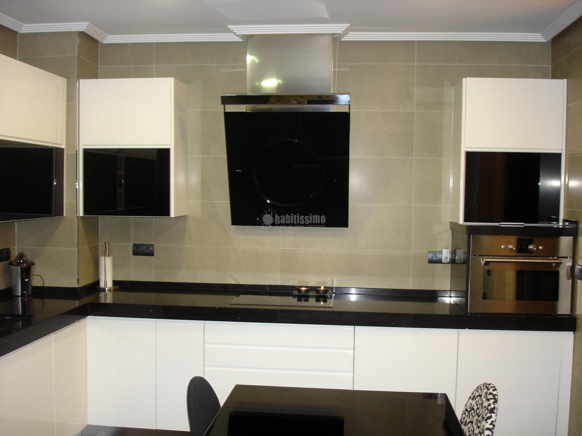 Foto muebles cocina reforma integral viviendas de flash for Muebles de cocina zamora