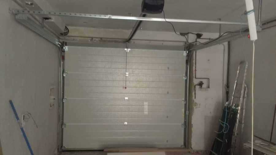 Colocación puerta garaje