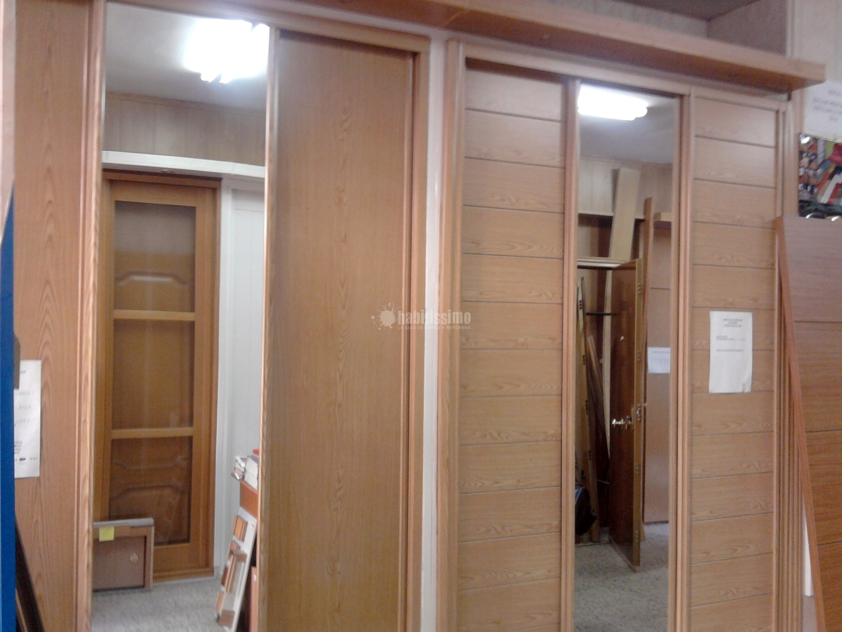 Foto puertas armarios empotrados medida venta tarimas for Armarios empotrados precios