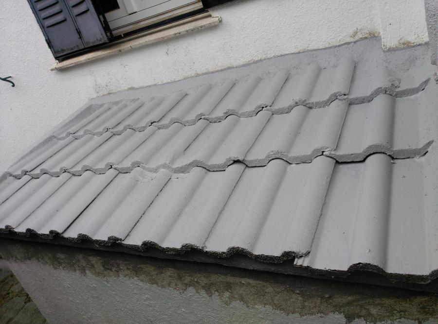 Reconstruccion tejado,caballetes y chimeneas.