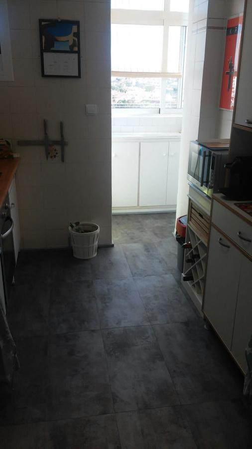 Foto cambiar suelo de reparaciones del hogar 1635089 - Cambiar suelo cocina ...