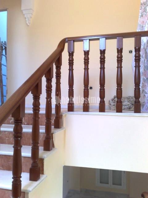 Foto carpinteros escaleras madera de hermanos ortiz 16787 habitissimo - Carpintero tarragona ...