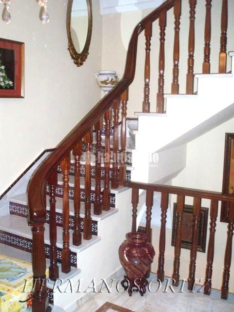 Foto carpinteros escaleras madera de hermanos ortiz 16792 habitissimo - Carpintero tarragona ...