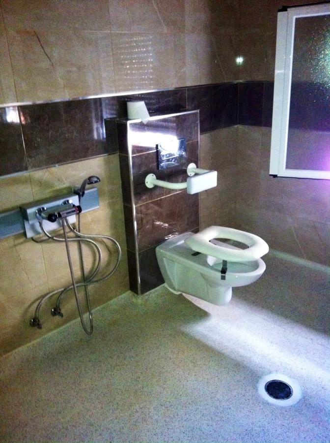 Instalación de bańo adaptado