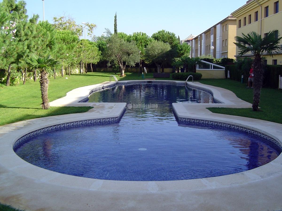 Foto reparaci n de piscinas en girona de piscines bravi - Piscina devesa girona ...