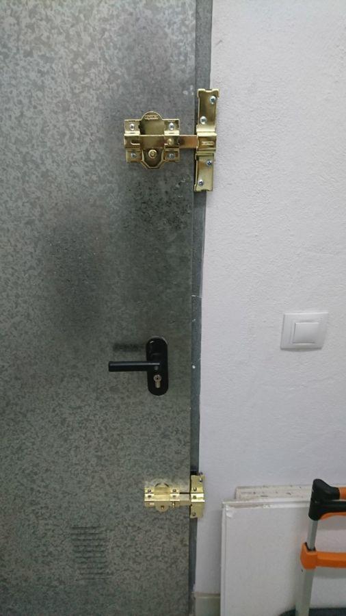 Foto reforzar puerta de trastero con cerrojo de seguridad - Cerrojo de seguridad para puertas ...