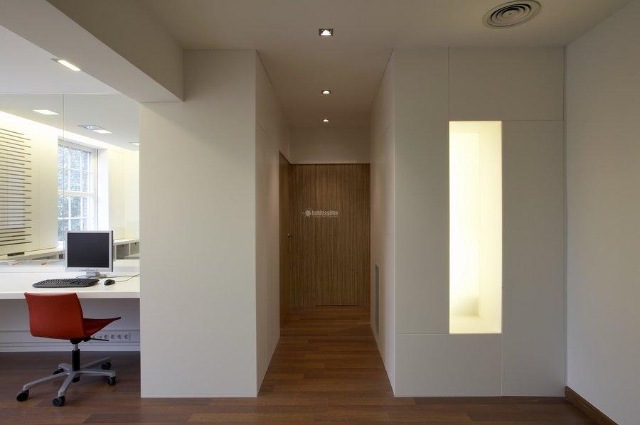 Foto detalle recepcci n oficinas de pere le n for Oficinas sabadell malaga