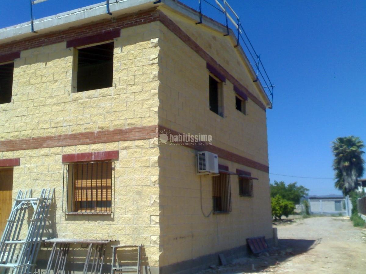 Foto construcci n casas viviendas unifamiliares constructores de construcciones eugenio - Constructores de casas ...