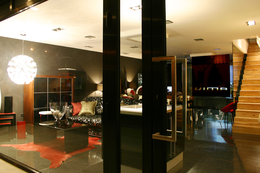 Foto acceso exposici n muebles vima de vima interiorismo for Exposicion muebles barcelona