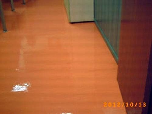 Abrillantado suelos de plásticos o sintasol