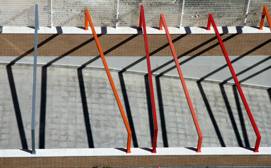 Foto acceso a rampa de garaje de arte y arquitectura - Rampas de garaje ...