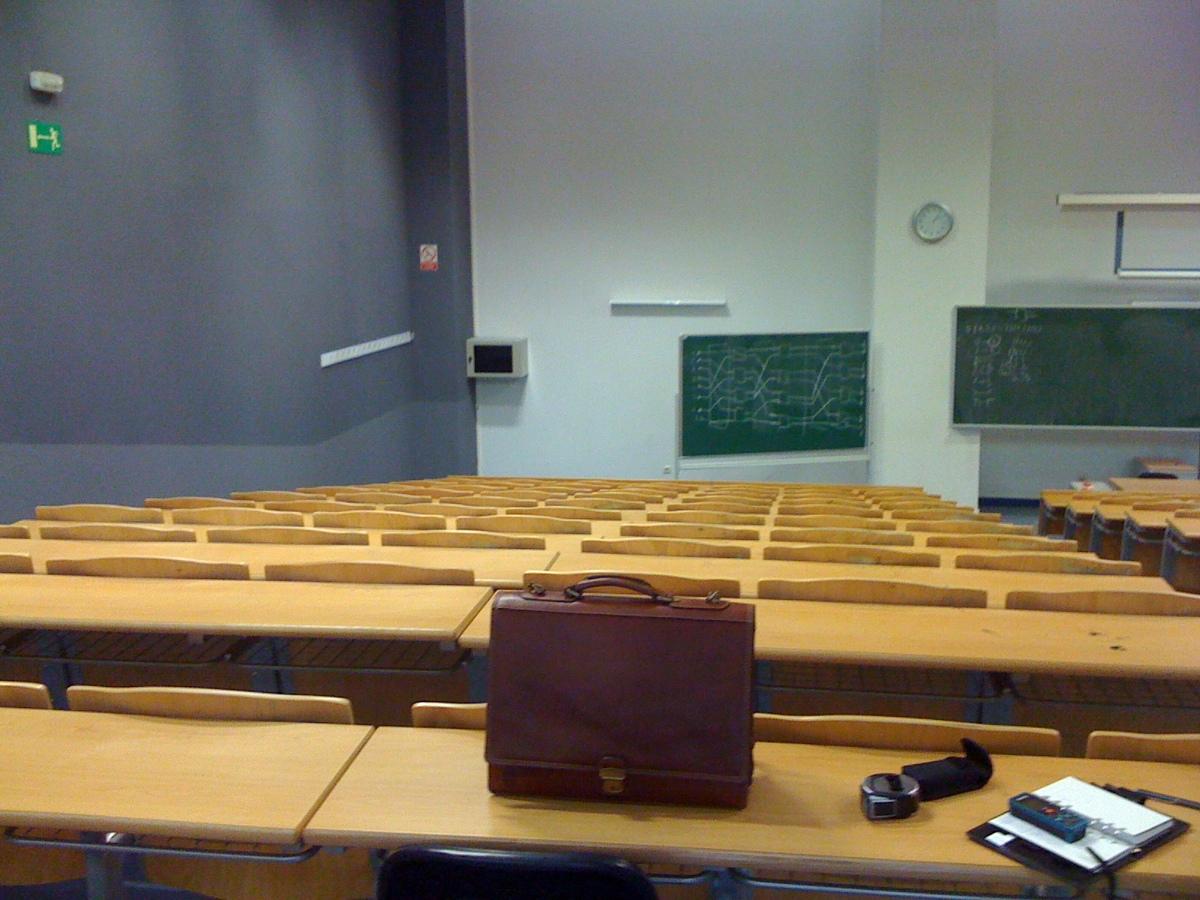 Acondicionamiento Aulas Universidad