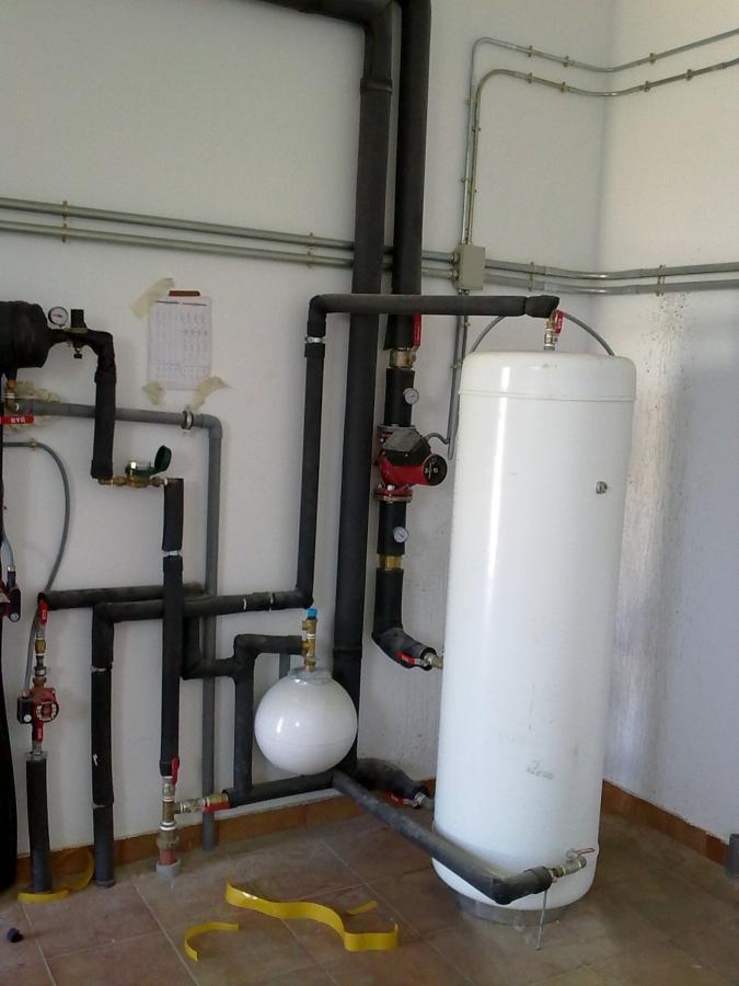 acumulador de agua caliente