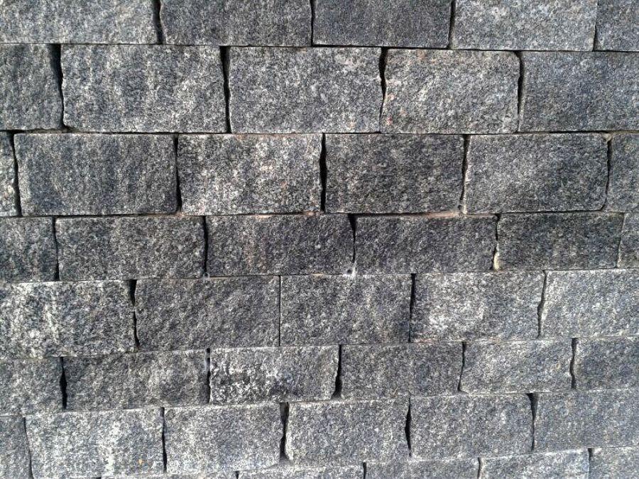 Foto adoquines de granito gris quintana de granitos for Adoquines de granito