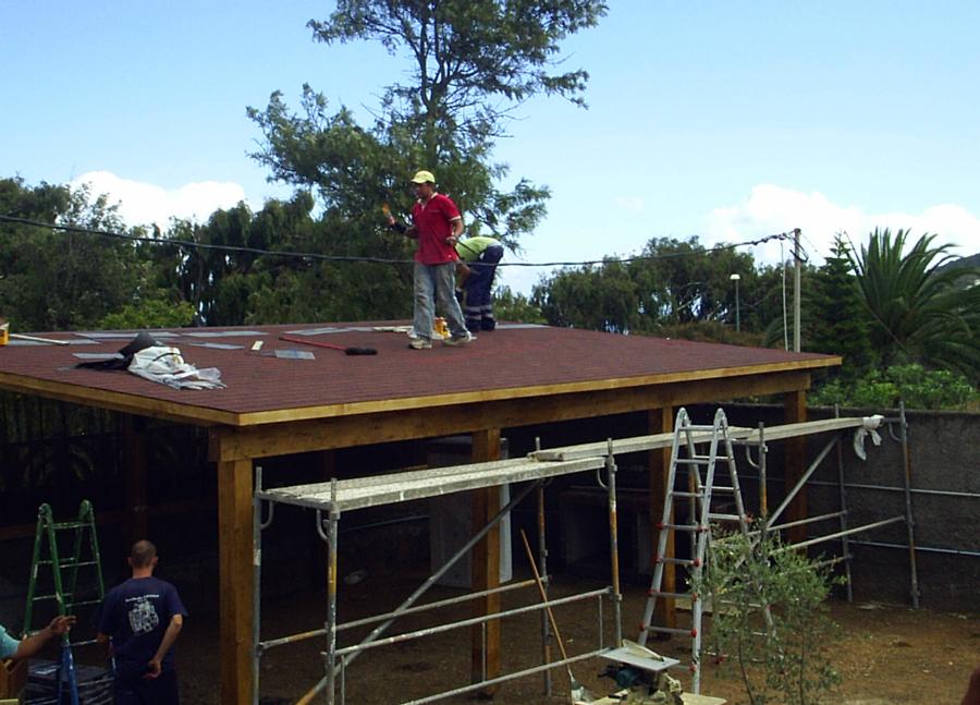 Foto aislamiento pergola de carpinteria valderrama s l for Tejados madera ourense