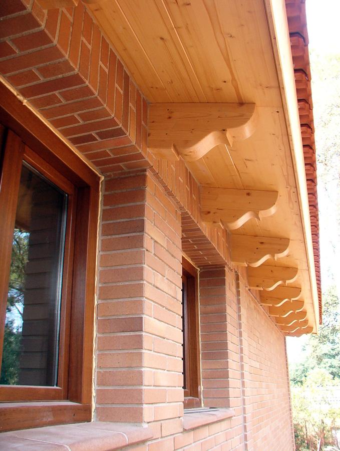 Foto alero de carpinteria ruiz 193579 habitissimo for Canaletas para techos de madera