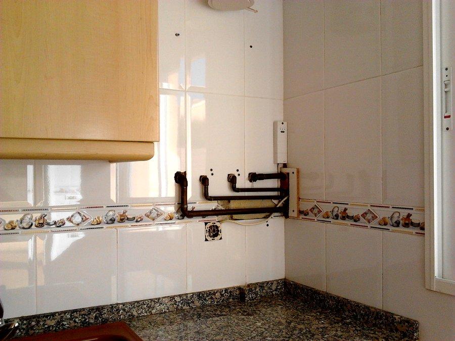 Foto alicatado cocina de vga limpiezas y servicios 426855 habitissimo - Alicatado cocina ...