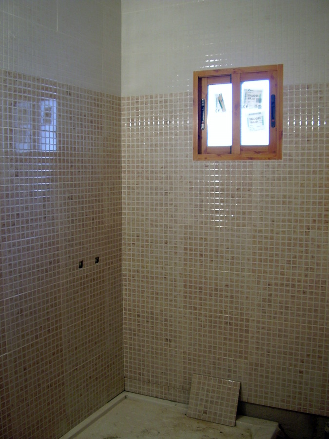 Foto alicatados de cuarto de ba os de construcciones y - Alicatados de banos modernos ...