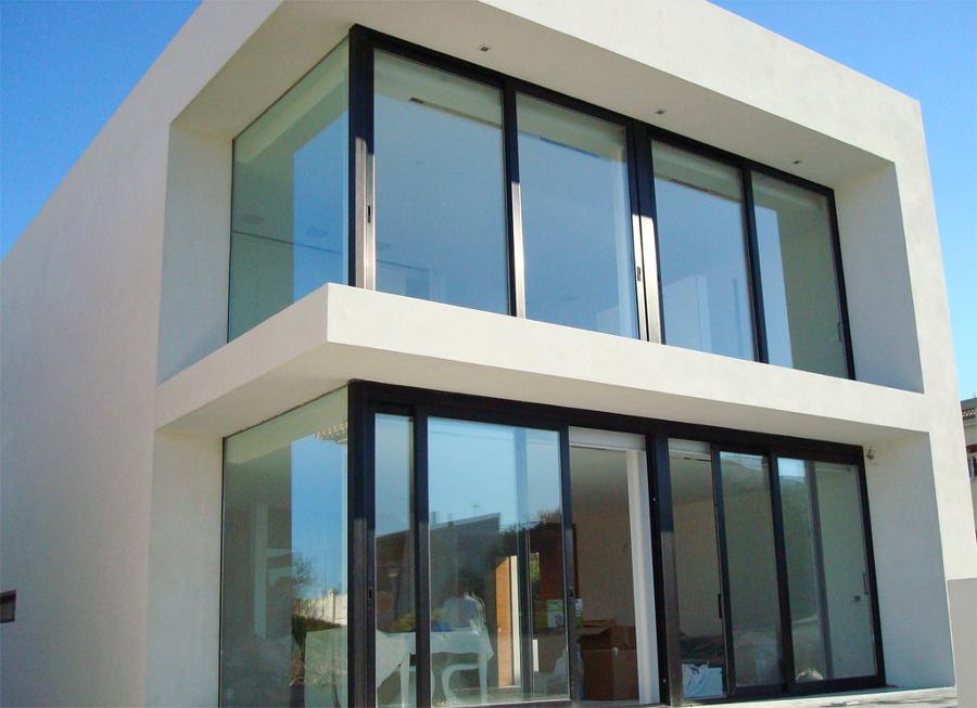 Foto aluminio lacado negro de vykalum 684463 habitissimo for Colores ventanas aluminio lacado