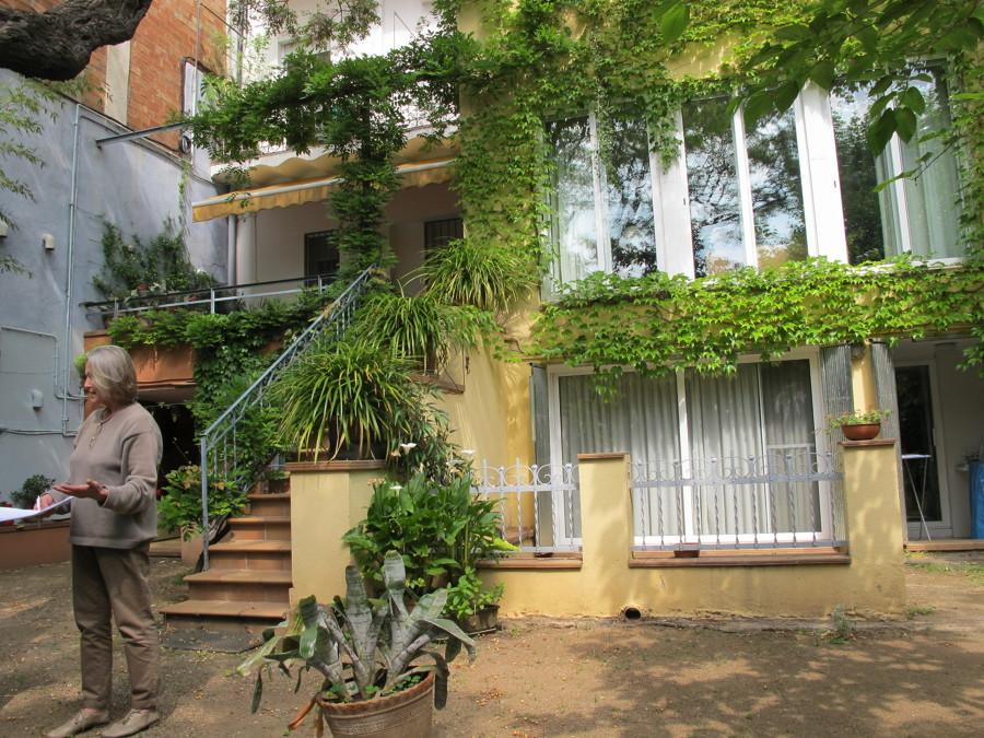 Ampliación de una vivienda y jardín