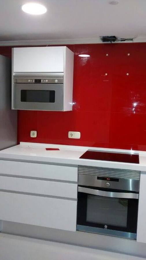 Foto aplacado frontal cristal cocina de cristaleria for Frontal cocina ideas
