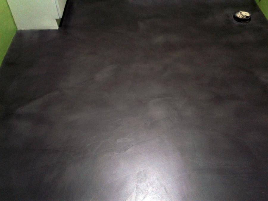 Foto aplicaci n de microcemento en suelo de pinturas - Aplicacion de microcemento ...