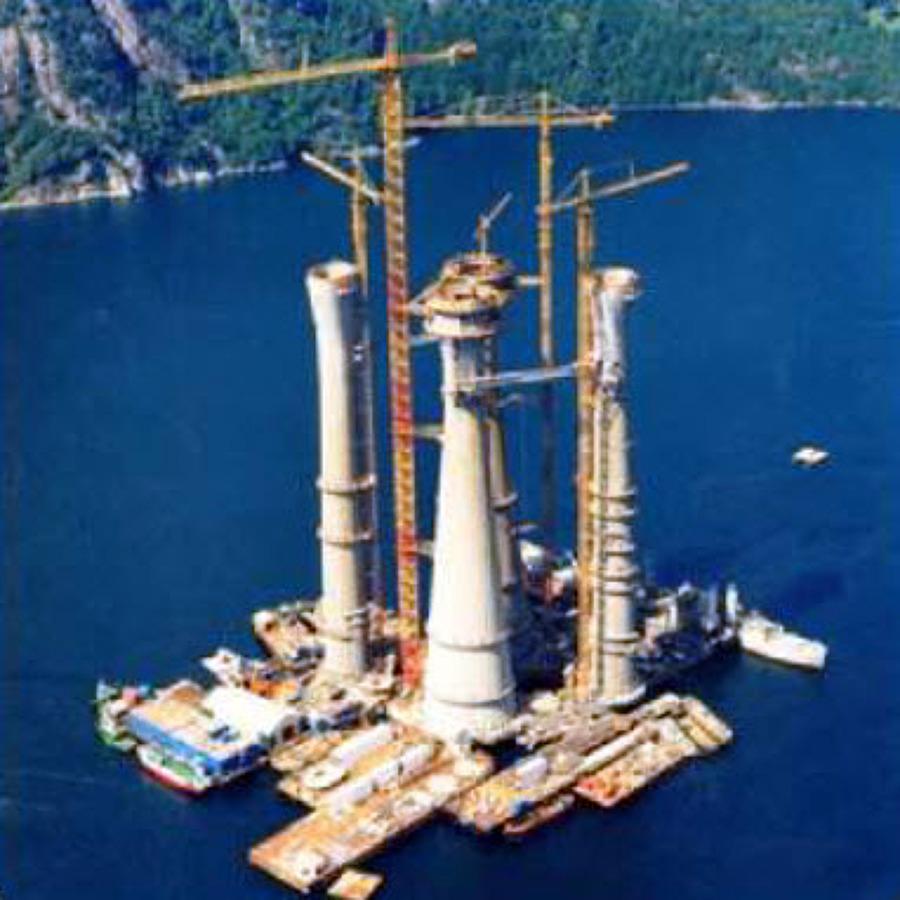 Aplicación en pilares sustentadores de centrales petrolíferas.