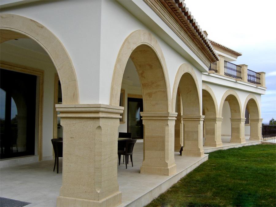 Foto arcos columnas y pilares de toscalia 270937 for Pilares y columnas