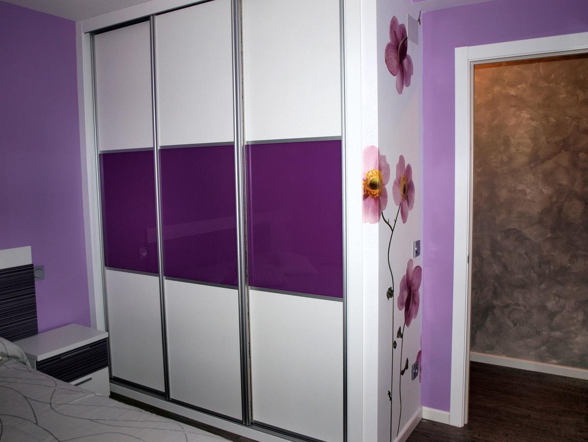 Foto armario 3 hojas instalado por artama de puertas - Armario dormitorio blanco ...