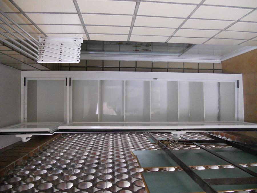 Foto armario aluminio en terraza de ventanas echaniz - Armario aluminio terraza ...