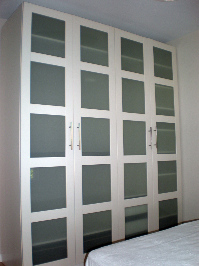 Foto armario blanco reforma habitacion de corema - Armario de habitacion ...