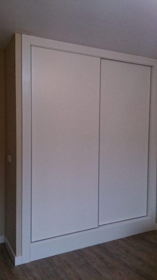 Foto armario corredero lacado en blanco de muebles ebanos - Armario blanco lacado ...